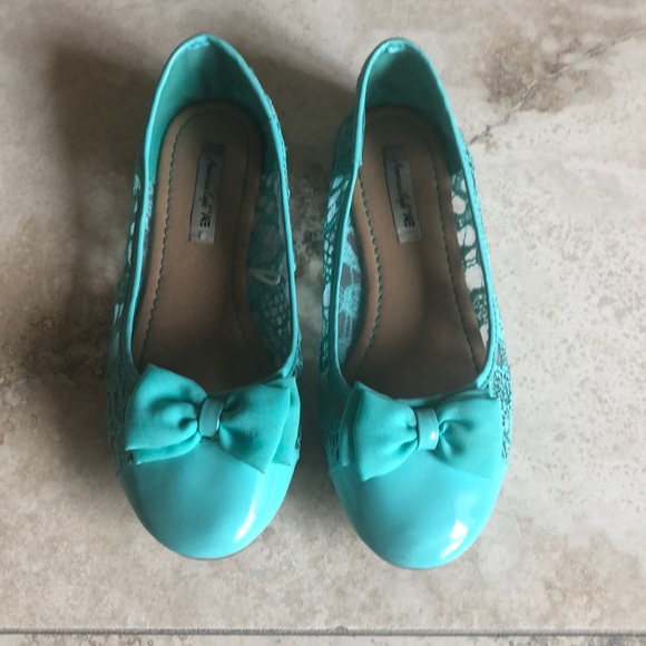 95837e228d2 American Eagle By Payless Other - Amer. Eagle by Payless size 3 mint green  flats